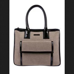 37a9b6eb699 Gucci Bags - Gucci tote! A MUST HAVE!